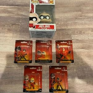 "✨Disney Pixar's ""The Incredibles"" Funko & Figures✨"